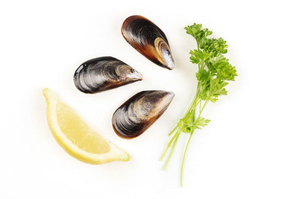 ingredientes-mejillones-lima-y-perejil-fresco